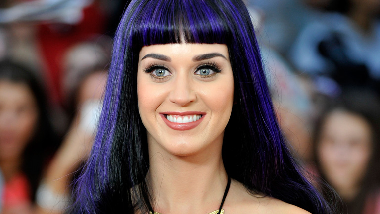 Katy Perry Renkli Saçları